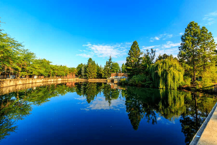 lake in Spokane by Booking Express Travel